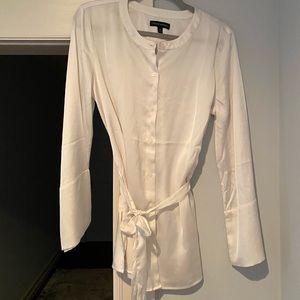 Off white ties waist blouse